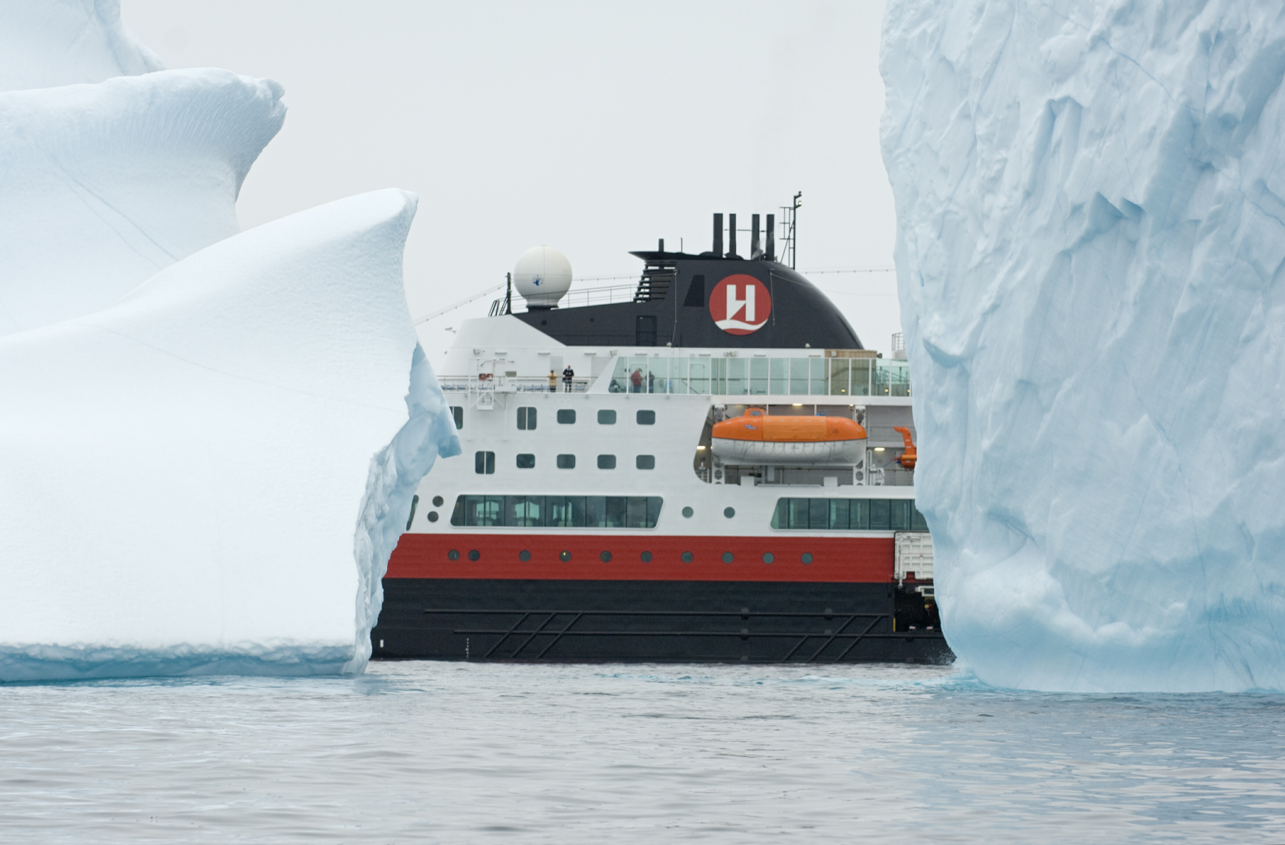 Ms Fram On Greenland Westcoast Cruise To The North