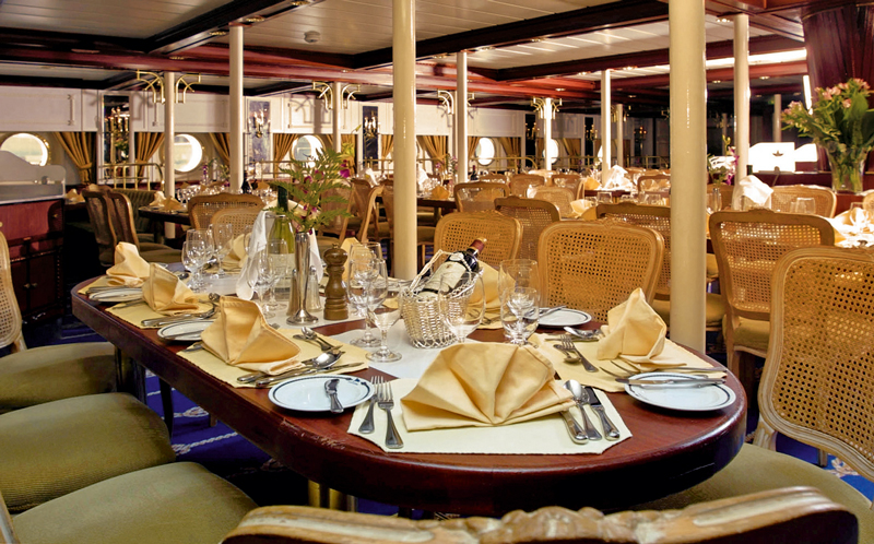 Seabourn Sojourn dining