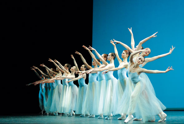 Novosibirsk Opera and Ballet Theatre, Moscow. © ITAR-TASS Photo Agency / Alamy