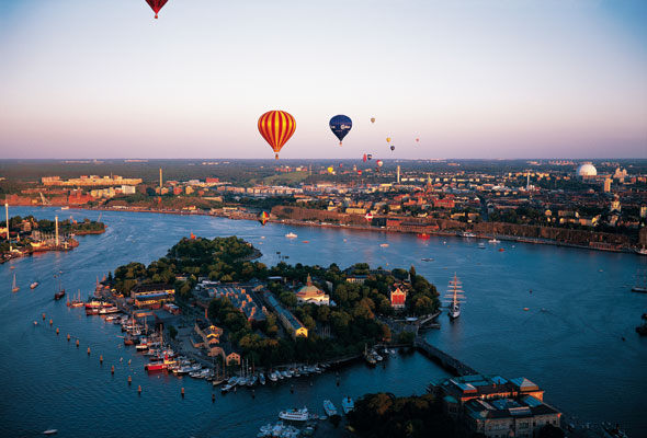 Stockholm_view_with_baloons_Photo_Jeppe-Wikstrom_High-res
