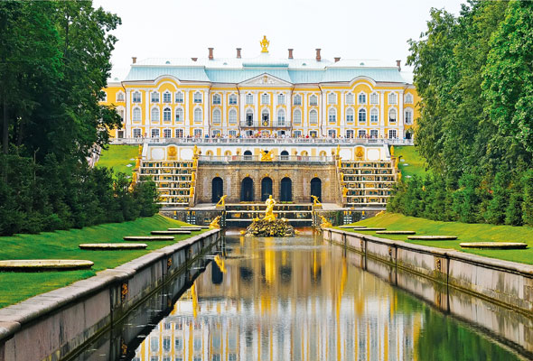 Celebrity-Russia-cruise-credit-Real-Russia-St-Petersburg-Peterhof-Palace-Gardens_92440768