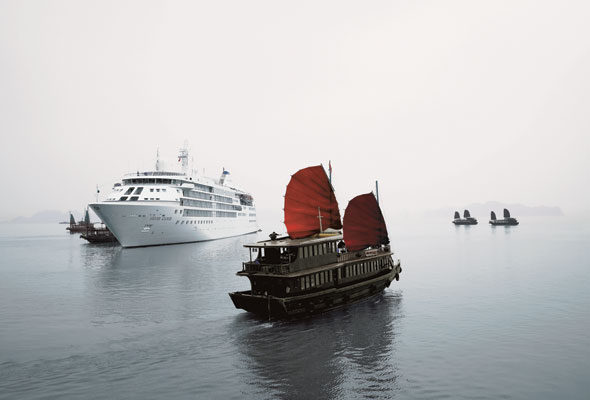 Slide-3-Silversea---Ha-Long-Bay