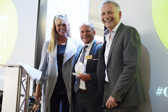 Bernard Carter, Managing Director UK and Europe of Oceania Cruises with Cruise Awards presenters Julie Peasgood and Andy Harmer