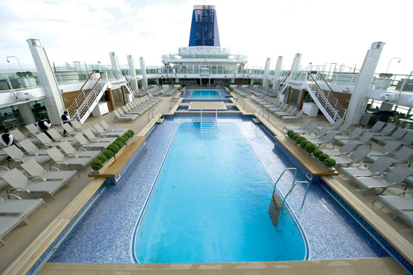 Britannia-review-Lido-pools