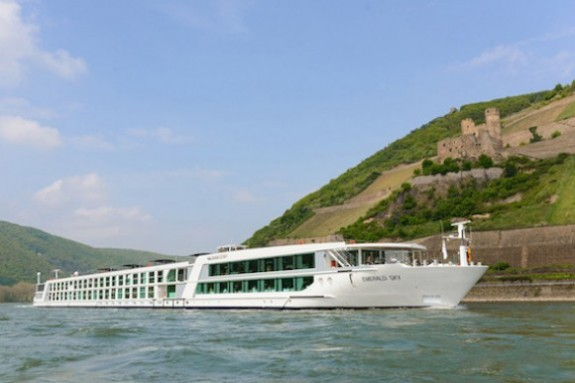 Emerald_Waterways_External_Sky