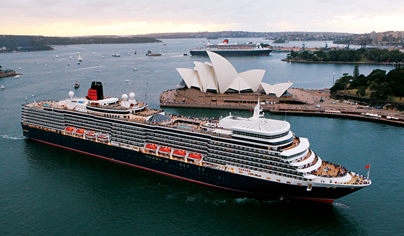 Queen Mary 2 and Queen Elizabeth in Sydney