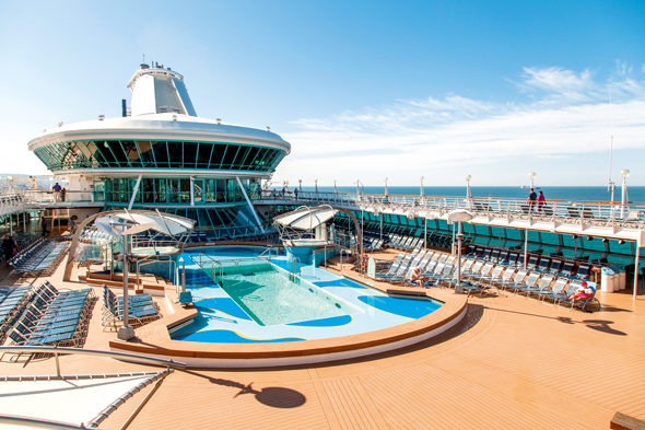 Thomson Discovery's pool area