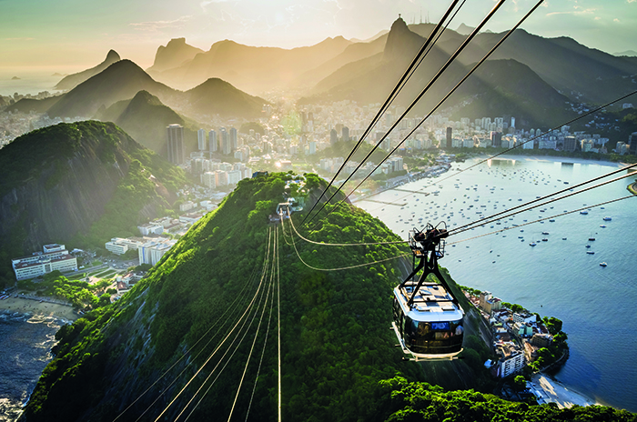 Cable car going towards the top of Sugarloaf Mountain in Rio de Janeiro, Brazil © iStock