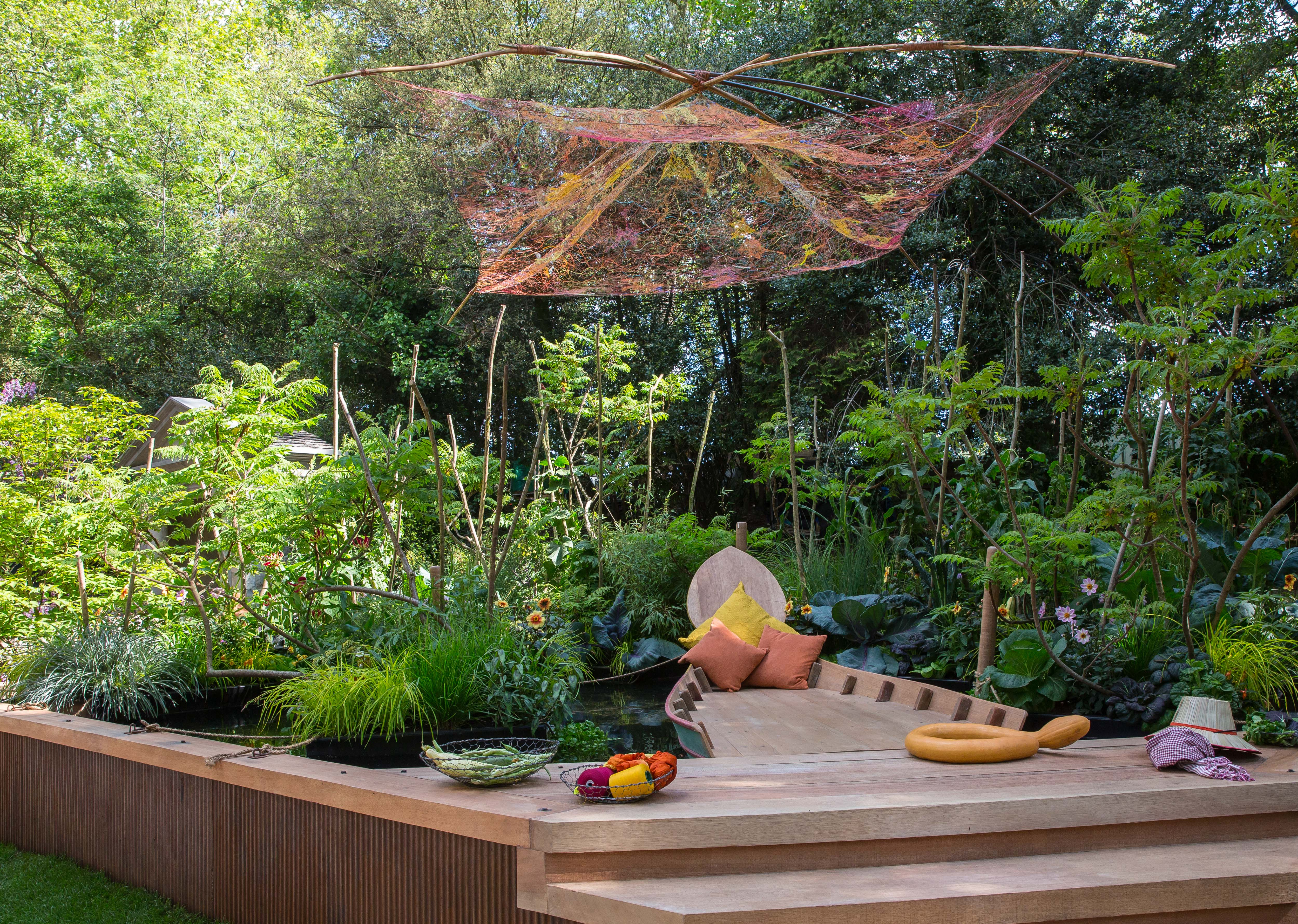 viking cruises to return to rhs chelsea flower show - cruise