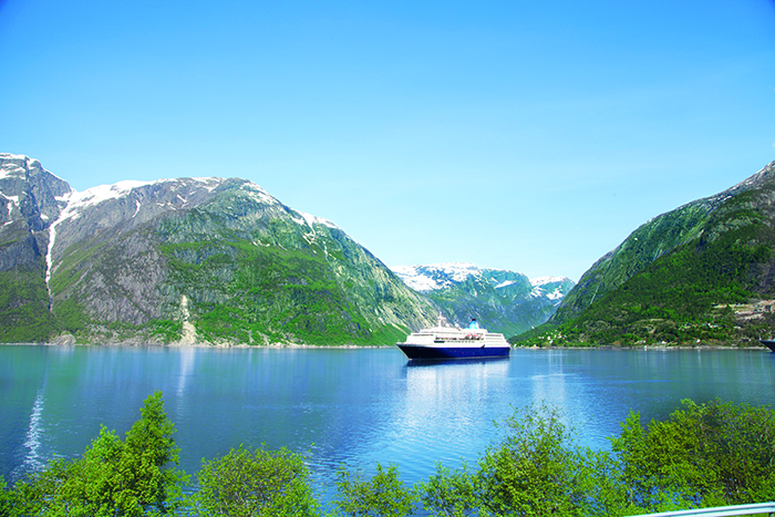 Saga Sapphire in the Norwegian Fjords © Saga Cruises