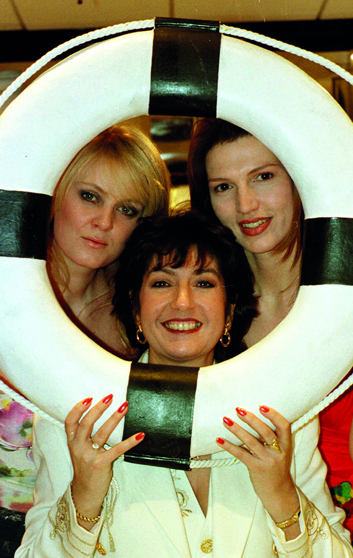 Jane on the 1998 BBC reality TV show The Cruise © Alamy
