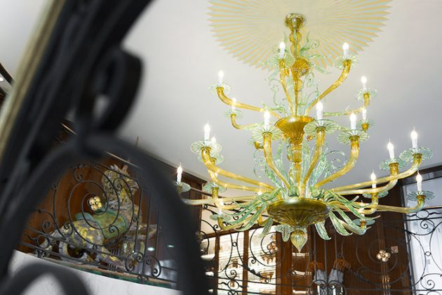 The chandelier, S.S. Joie de Vivre © Rainer Witzgall