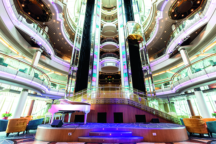 The Atrium, TUI Discovery 2 © Thomson Cruises