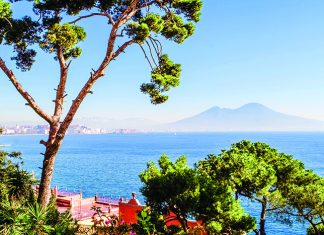 View of Naples and Mount Vesuvius from Posillipo © iStock