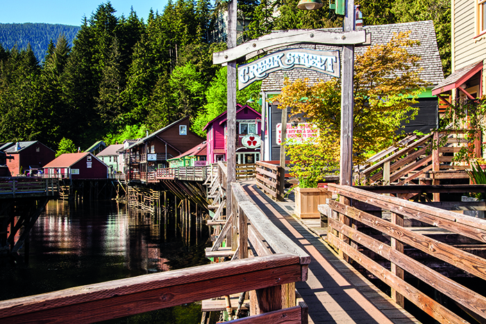 A boardwalk along the banks of Anchorage's Ketchikan Creek © iStock