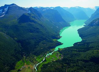 Lovatnet Lake in Loen, Norway, shimmers blue green in the sun © Visit Norway
