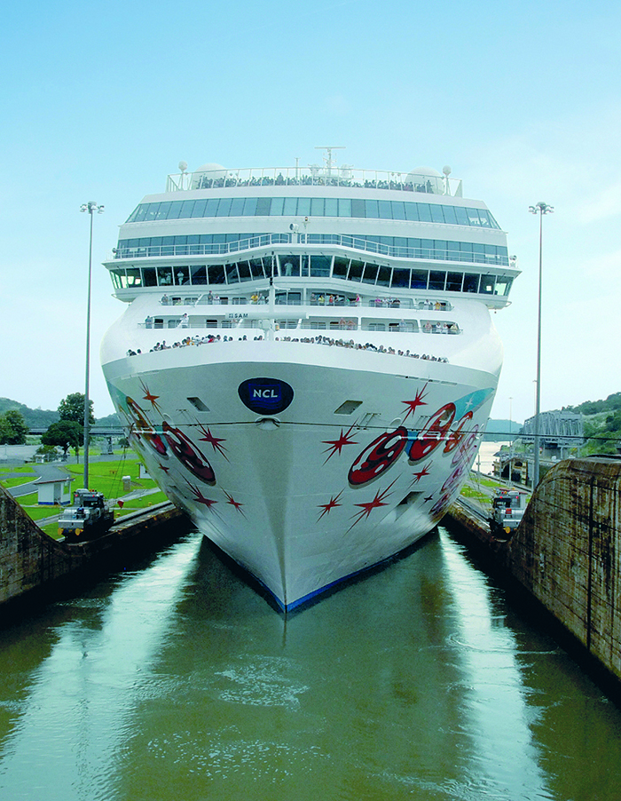 Norwegian Pearl in the Panama Canal