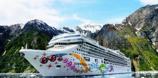 Norwegian Cruise Line's Norwegian Pearl in Alaska