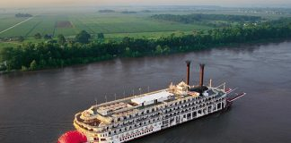 American Queen on the Mississippi River, USA
