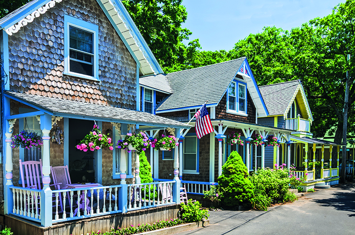 Wooden houses in Martha's Vineyard, Massachusetts – Ponant Cruise © iStock