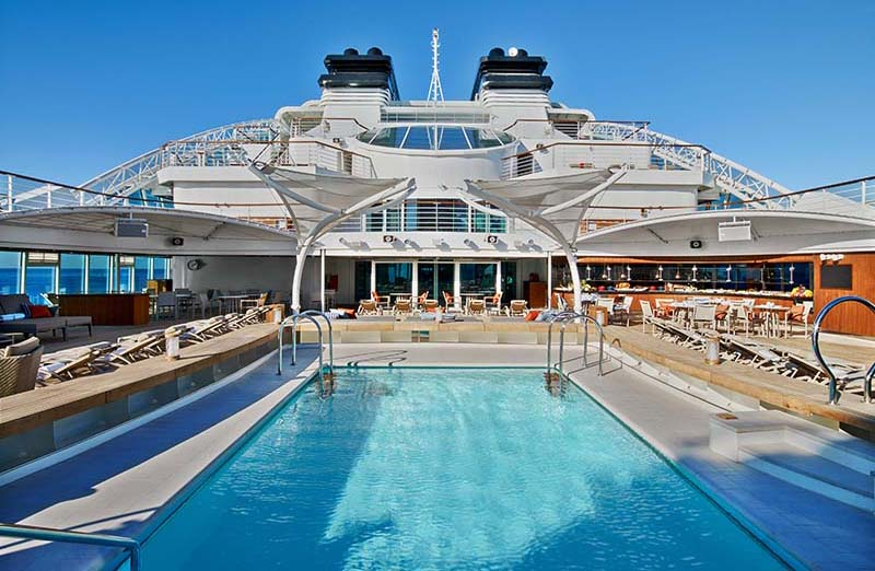 Seabourn Ovation: Pool deck