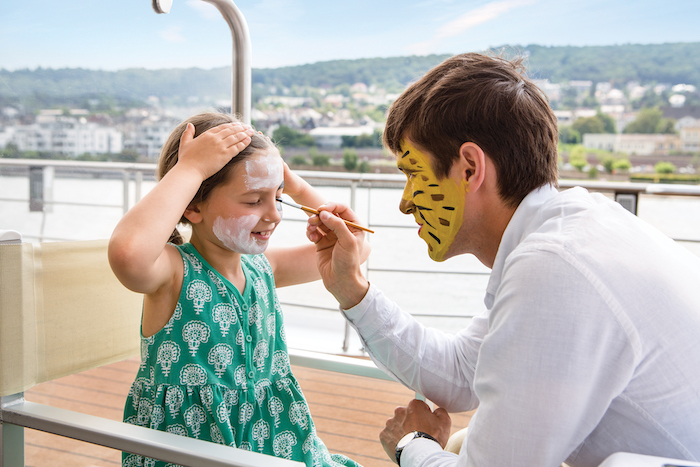 Uniworld-Generations-cruise-facepaint