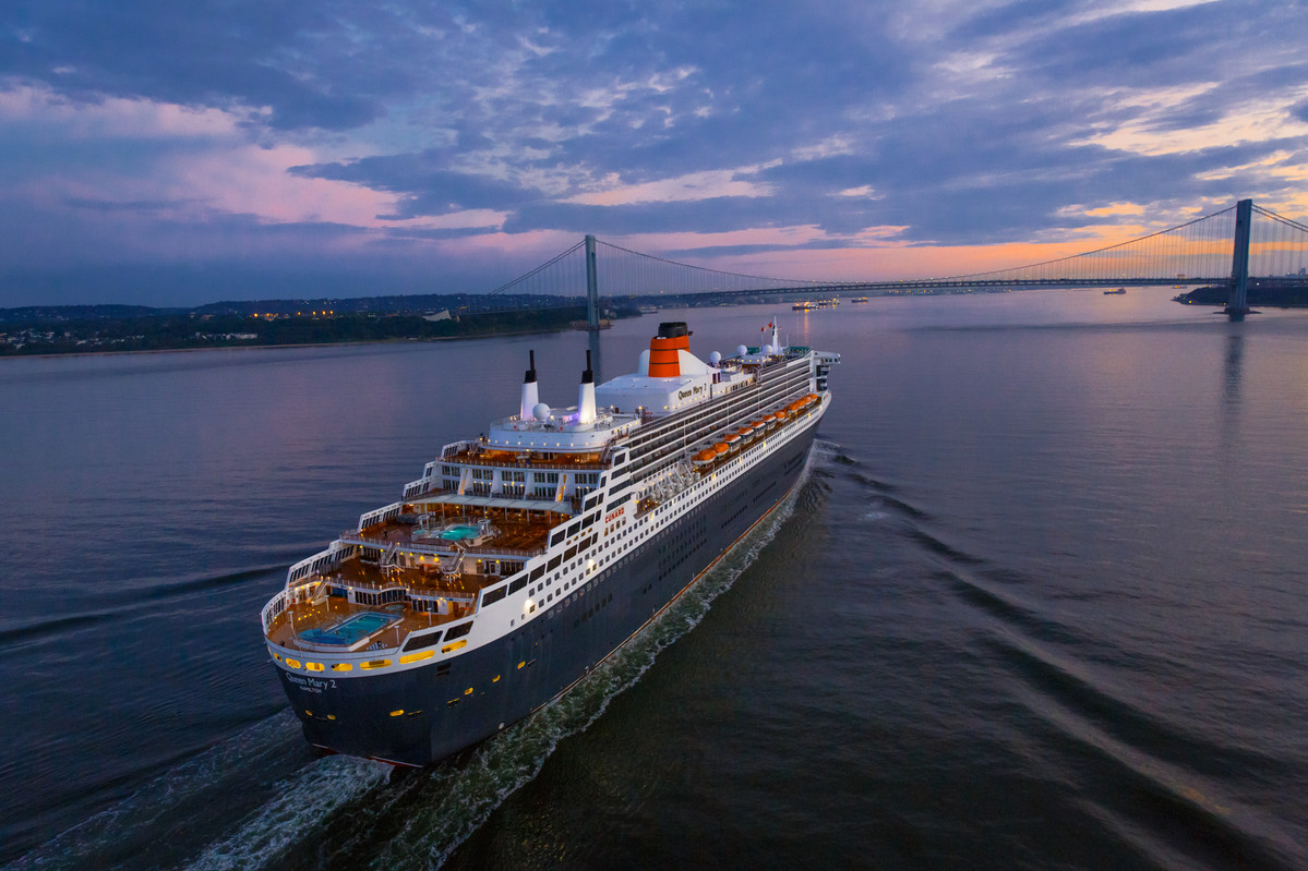 George-Takei-Queen-Mary-2