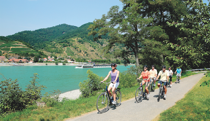 Group-cruises-bicycles