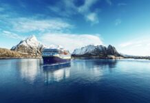 Lofoten snowy mountains_copyright Havila Voyages (1)